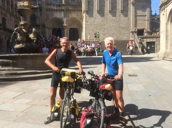 Fotomoment voor de kathedraal van Santiago de Compostela. Doel bereikt!!