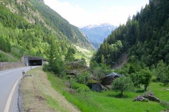 Afdaling naar het Rhônedal